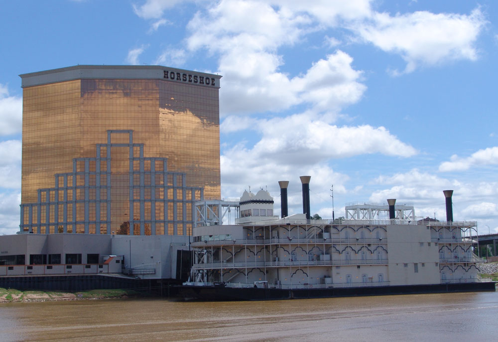 This is a picture of the Horseshoe casino riverboat and hotel in Bossier City