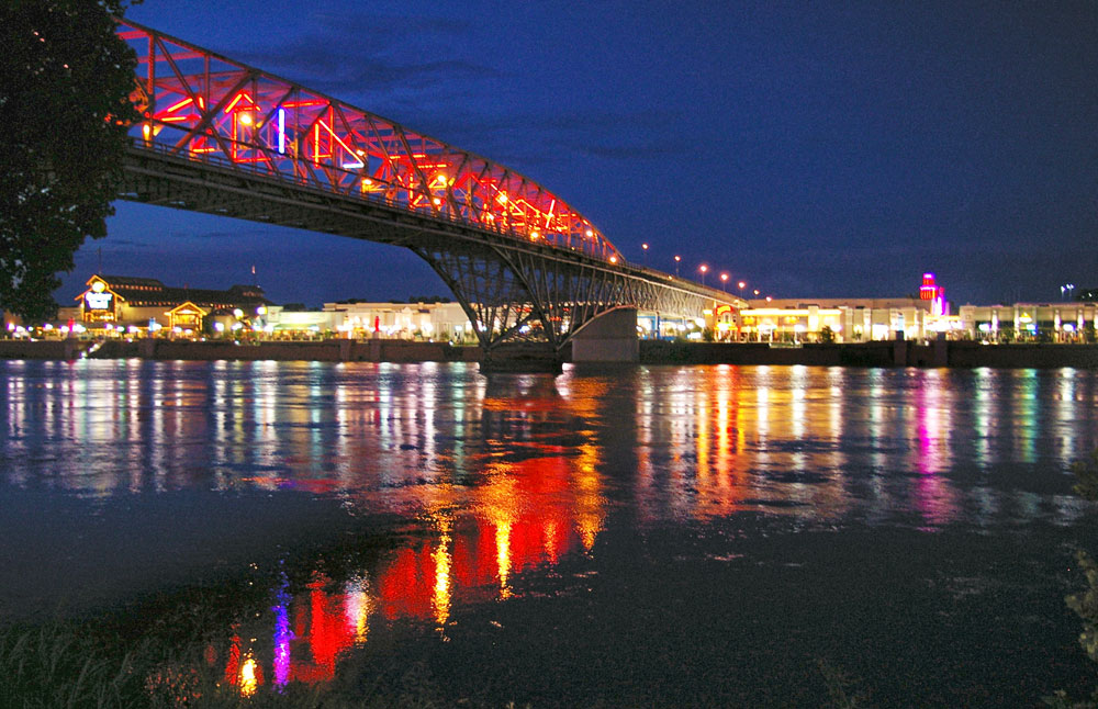 This is a photo of the Texas Street Bridge at night.  The Texas street bridge is one of 5 bridges that connect Shreveport to Bossier City.